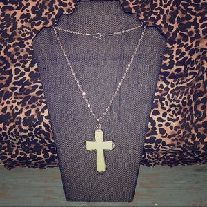 Jewelry - NWT GREEN FAUX STONE CROSS NECKLACE
